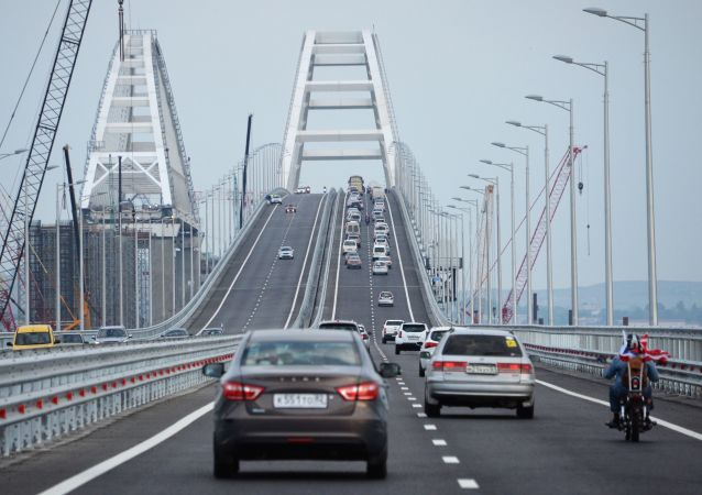 俄克里米亞大橋運營一年來通行500萬輛汽車