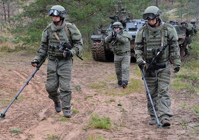 俄國防部:俄工兵半年內在老撾排除地雷的面積達到104公頃