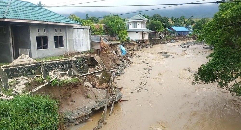 印尼東部洪水致40多人喪生