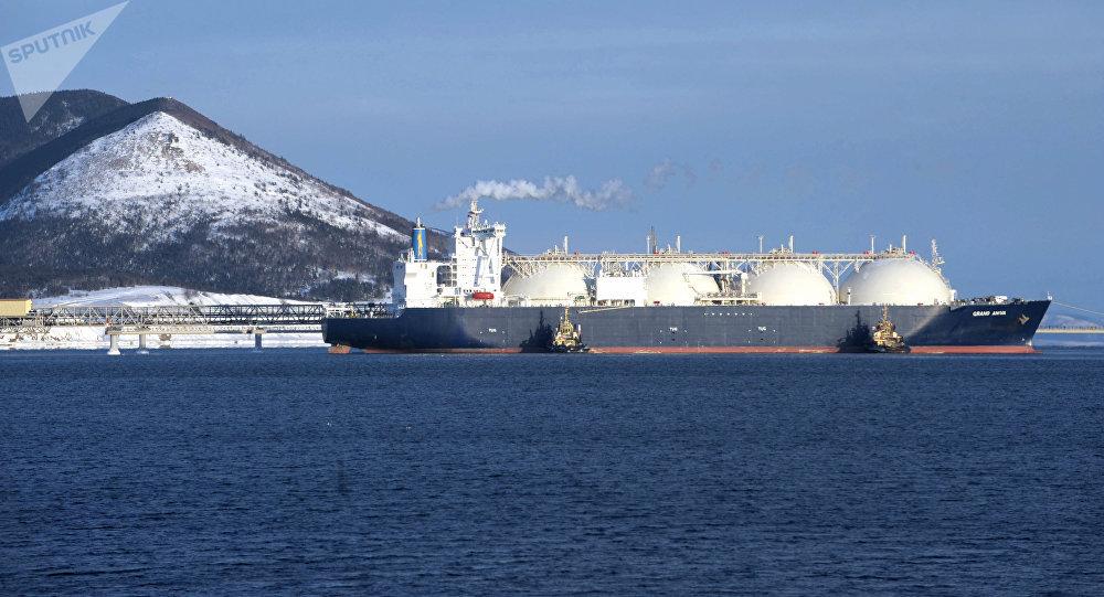 一些外国船舶被允许经北方海路运输液化天然气