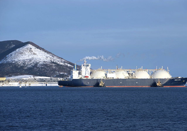 俄诺瓦泰克公司将拨款600亿卢布建造4艘液化天然气破冰船