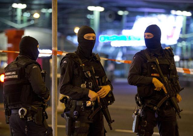 媒體:荷蘭警方又逮捕兩名烏得勒支槍擊事件嫌犯