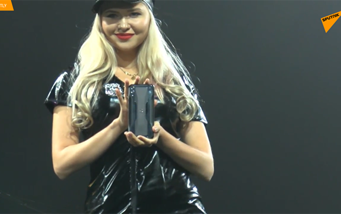 小米公司在北京宣佈推出自己的黑2遊戲智能手機