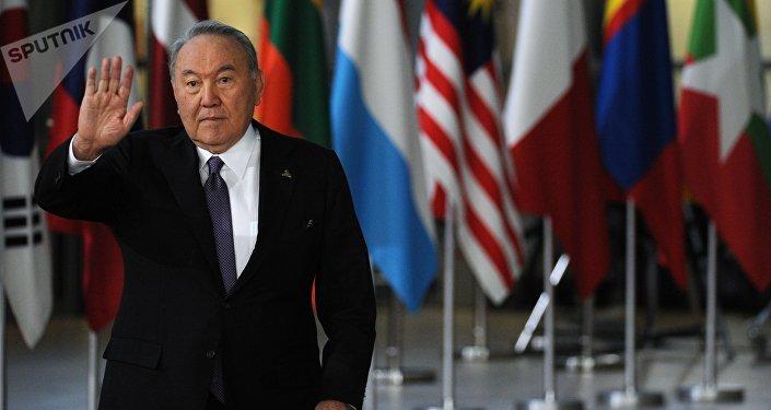 哈萨克斯坦民众对纳扎尔巴耶夫辞职的反应
