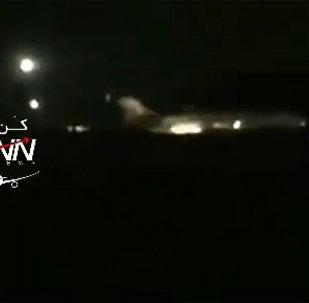 伊朗航空客机德黑兰机场迫降视频曝光