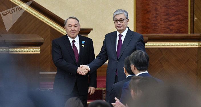 哈新总统认为有必要授予纳扎尔巴耶夫荣誉参议员地位