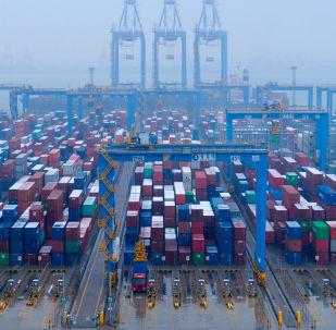 中国外交部: 美威胁加征新关税只会使中美达成经贸协议的路途更为漫长