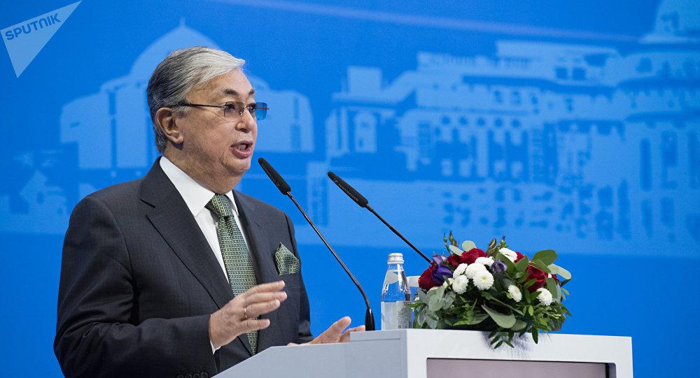 哈薩克斯坦新上任總統托卡耶夫向共和國人民宣誓