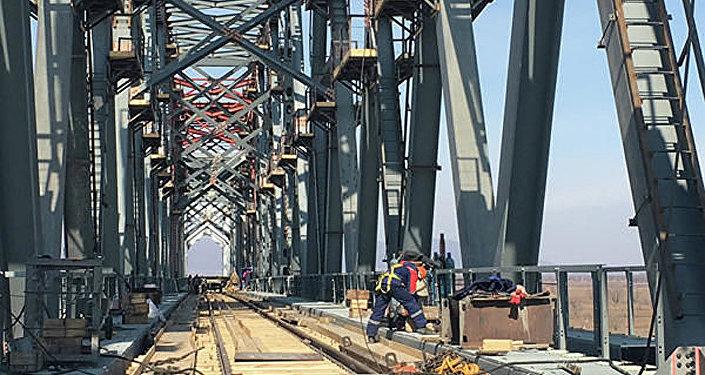 俄中雙方就跨界江公路大橋口岸建設問題進行交流