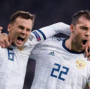 俄罗斯足球队在2020欧洲杯资格赛中击败哈萨克斯坦足球队
