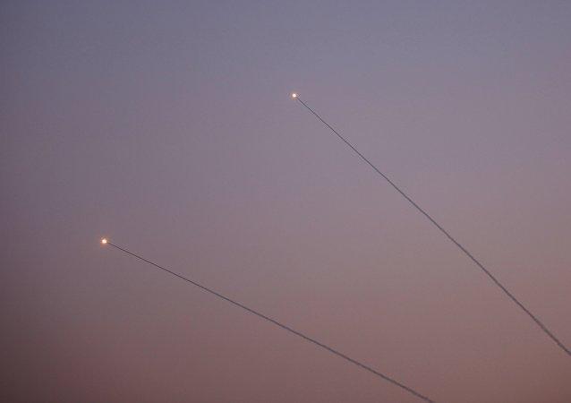 醫務人員:來自加沙地帶的火箭彈襲擊造成6名以色列人受傷