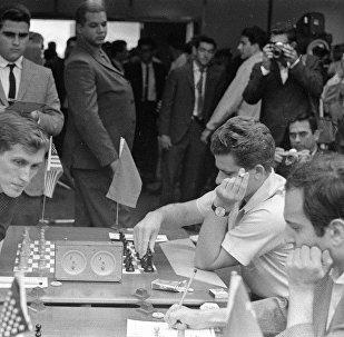 鲍里斯·斯帕斯基1972年输给博比·菲舍尔