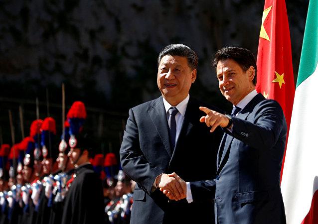 中國國家主席習近平與意大利總理朱塞佩·孔特