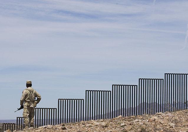 美联邦法院禁止五角大楼拨款修建边境隔离墙