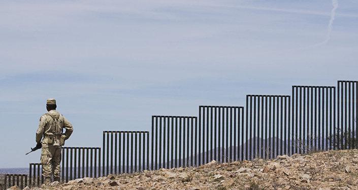 特朗普:如果不能阻遏移民持續湧入則不得不關閉部分美墨邊界