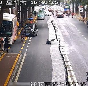 中國違章行人已被開罰單
