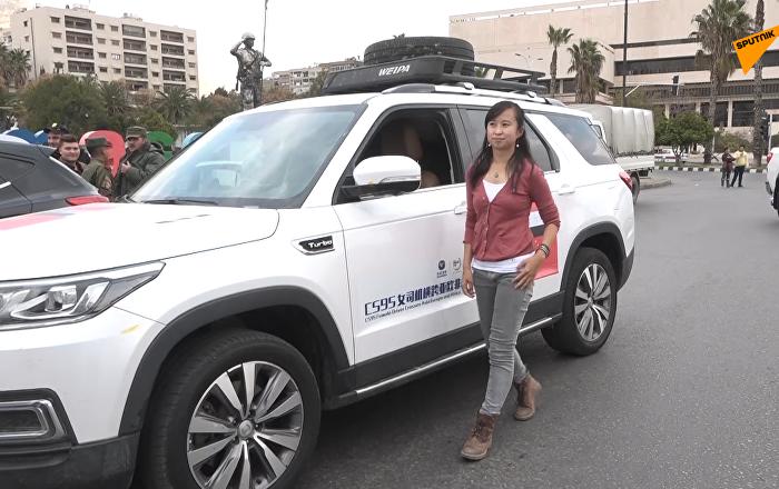 一名中国女子自己开车来到叙利亚