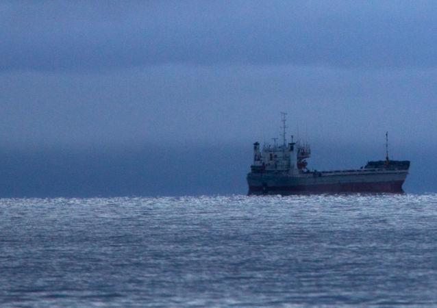 俄議員:俄正在制定外國軍艦在北方海路水域的新通行規則