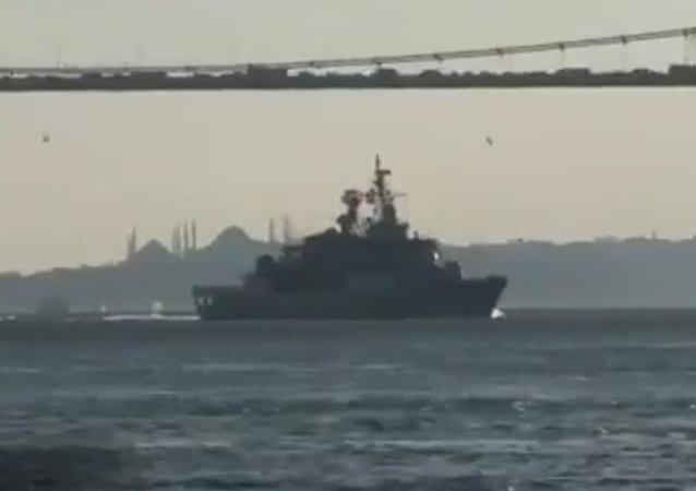 北约船舰驶入黑海视频曝光