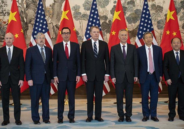 新华社:中美贸易谈判协议文本有新的进展