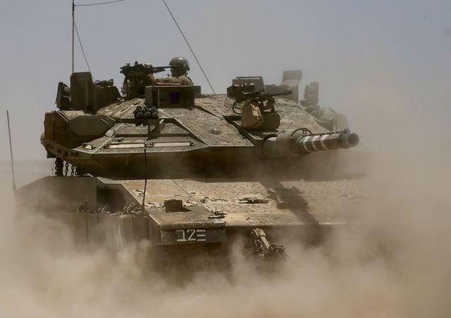 以色列坦克攻击加沙武装哨所报复火箭弹袭击
