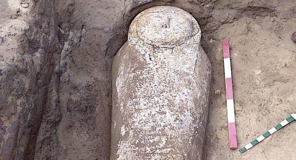 埃及发现四千年前石棺和木乃伊