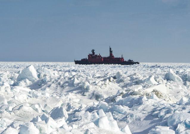 Атомный ледокол Ямал в Арктике