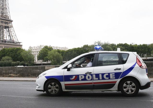 法國巴黎十六區因建築起重機有傾倒風險疏散約50人