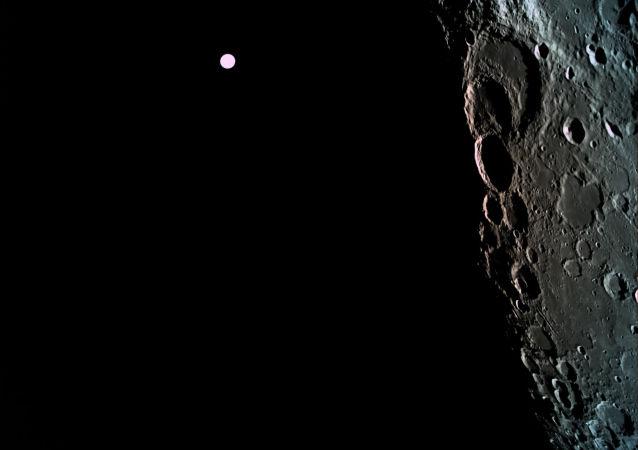 消息人士:俄罗斯开始研制向地球运回冷冻月壤的 星际站