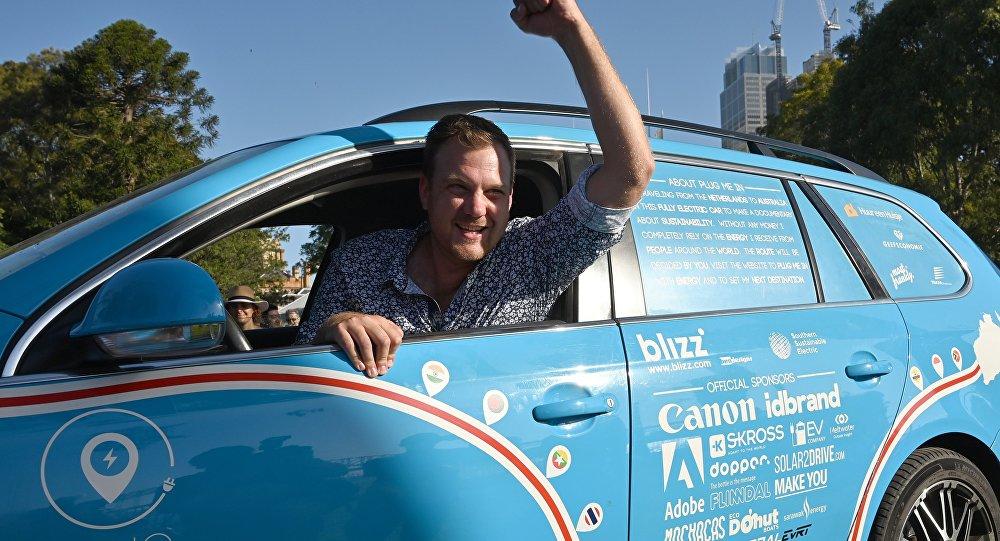 一名荷蘭人完成了歷時三年的電動汽車之旅