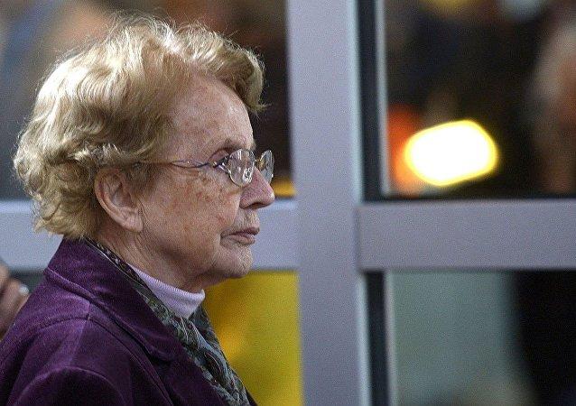 德国总理默克尔的母亲赫琳德∙卡斯纳