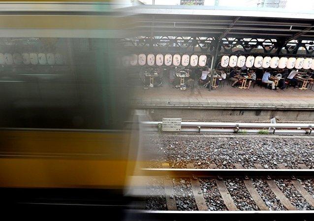 日本設立一個沒有入口和出口的火車站