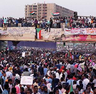 蘇丹多家電視台稱很快將播出蘇丹國防部發言人有關國內局勢的聲明