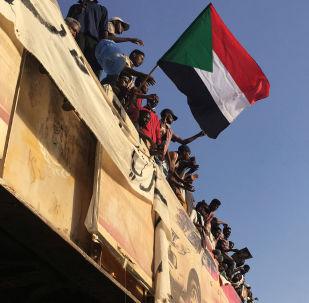 蘇丹駐莫斯科大使館稱,目前沒有關於巴希爾不再擔任蘇丹總統的消息
