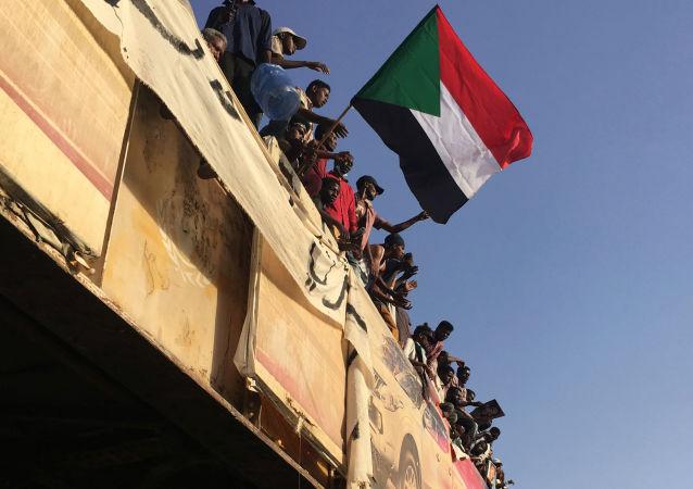 苏丹抗议者