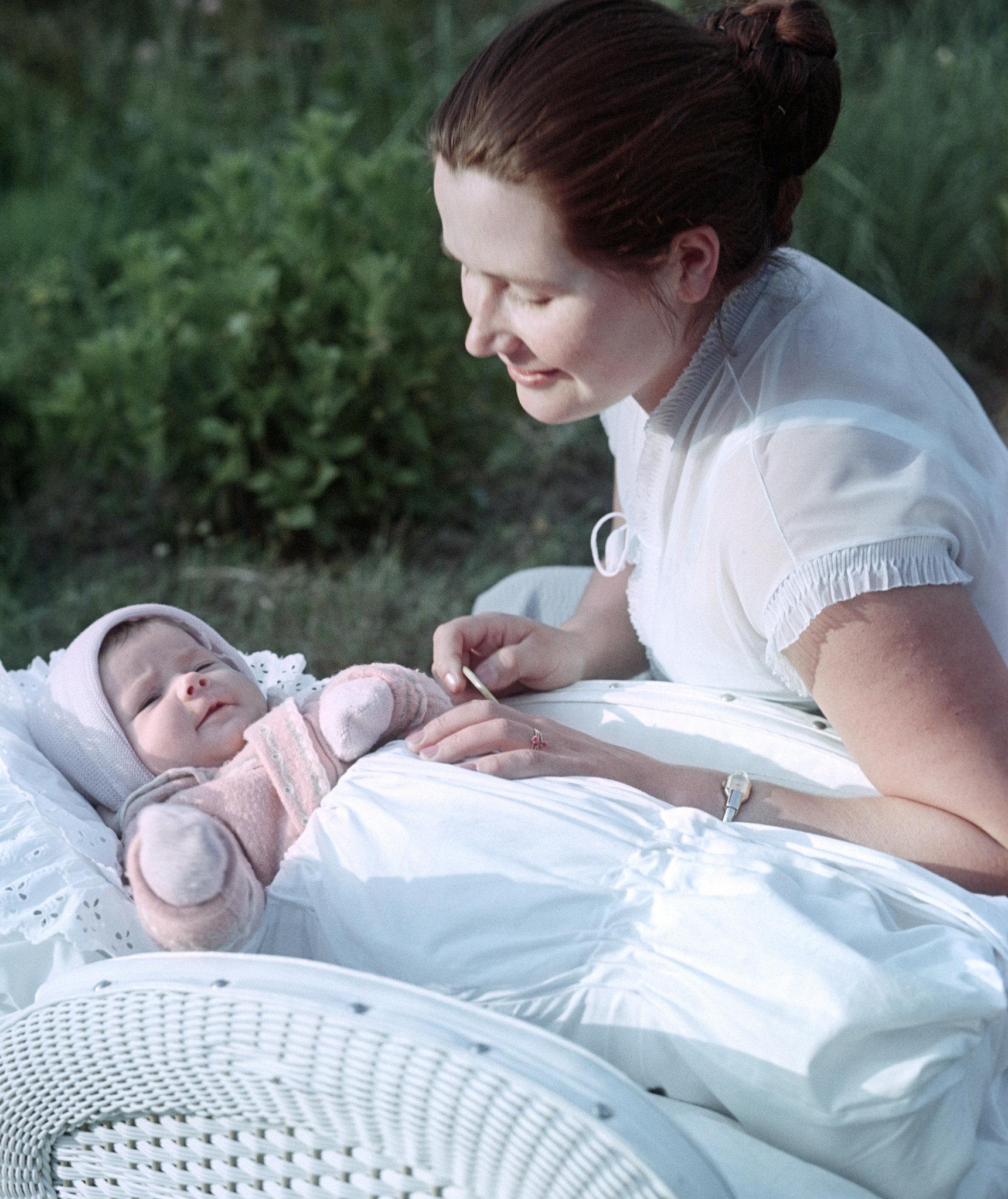 1961年,瓦莲金娜和小女儿