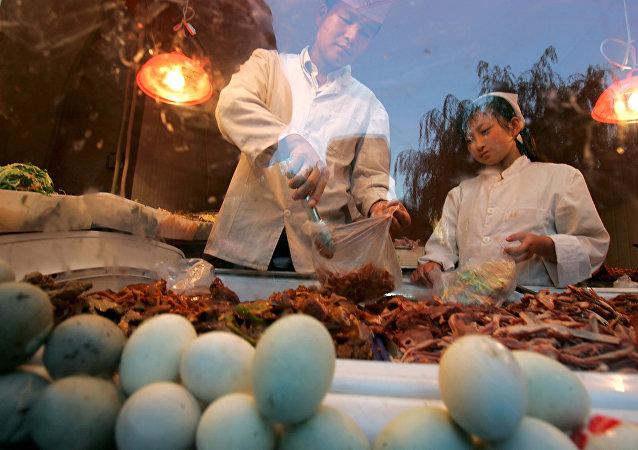 華人海外賣皮蛋被查