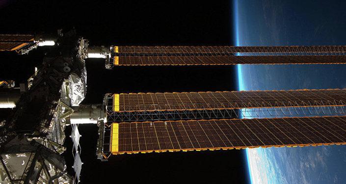 俄科学家将检查10年来一直搭在国际空间站外边的毛巾上是否有细菌