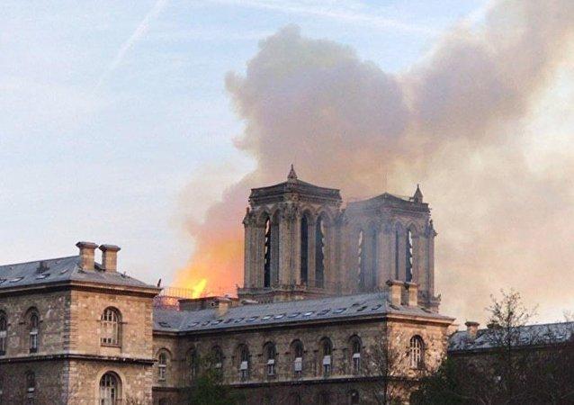 法國開始募集修復巴黎聖母院的資金