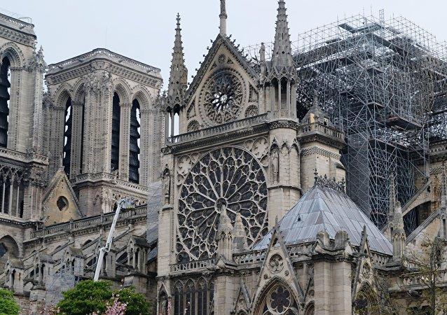 法国警方认为短路是巴黎圣母院火灾最可能的原因