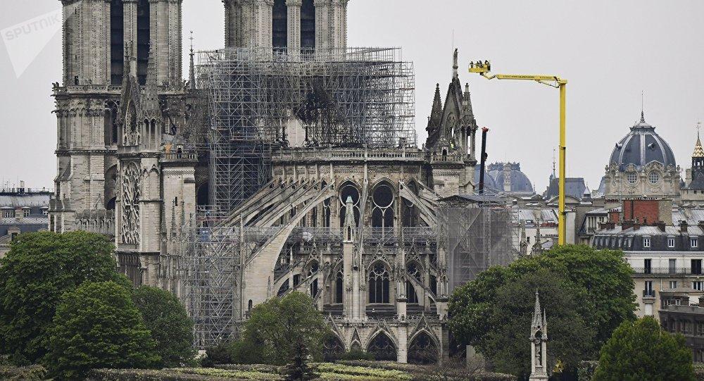 巴黎聖母院一系列文物因大火造成的後果無法靠近
