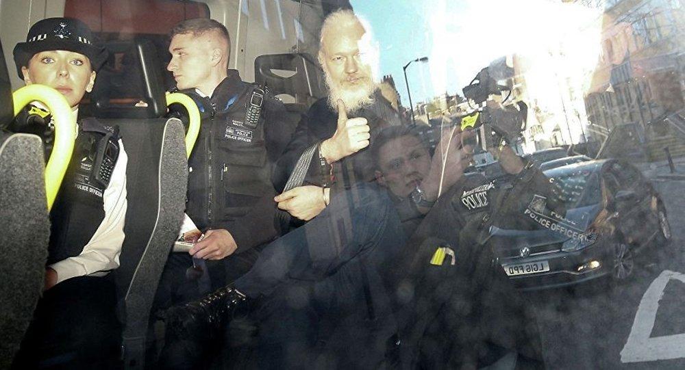 阿桑奇于2019年4月11日晨在瑞典和美国的要求下遭到扣押