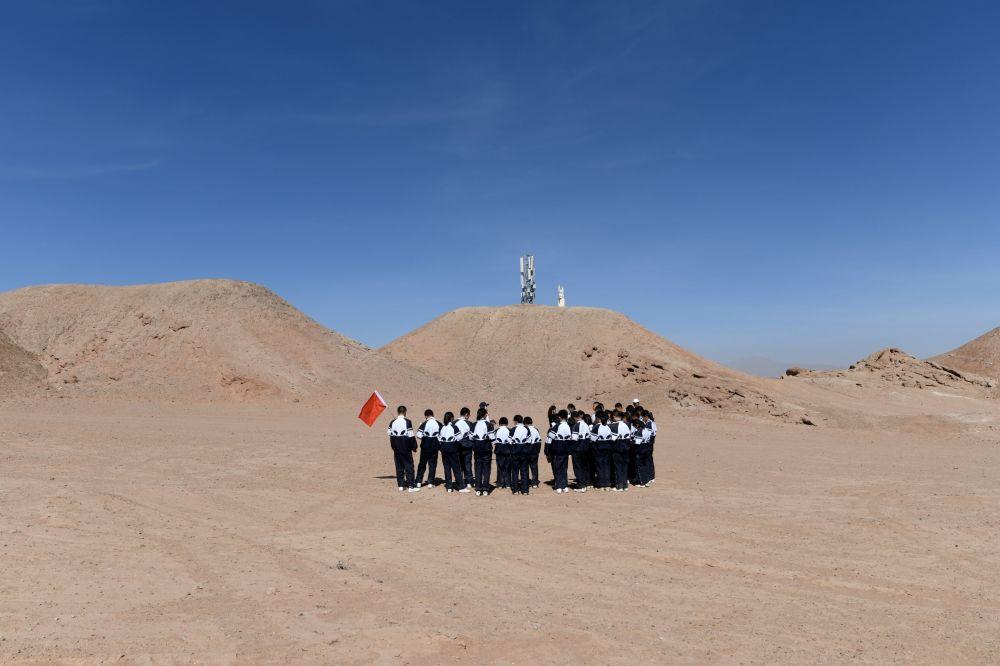 """红色星球之旅:中国青少年的""""火星旅行"""""""
