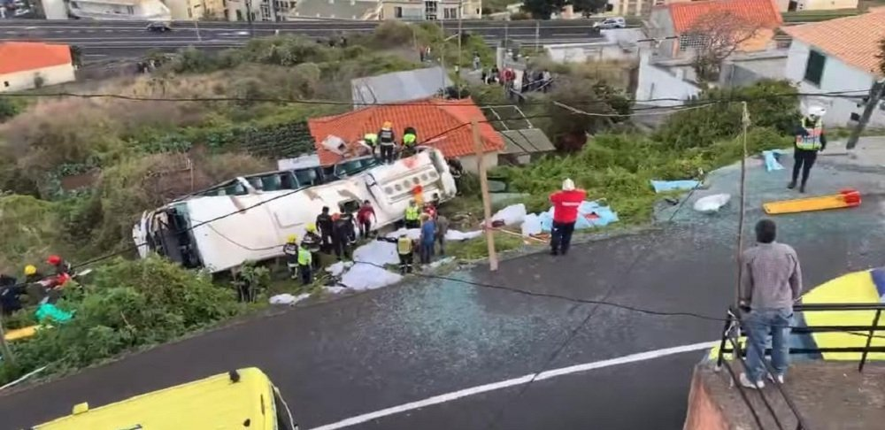 葡萄牙马德拉岛上发生旅游大巴事故