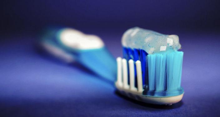 普通牙刷還是電動牙刷:牙醫給出正確的選擇