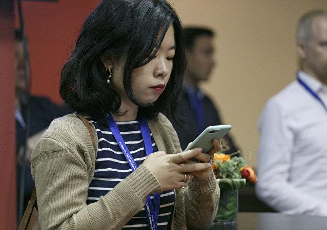 科学家介绍降低智能手机危害的主要方法