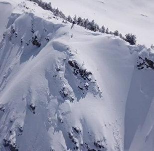 滑雪者险些丧生