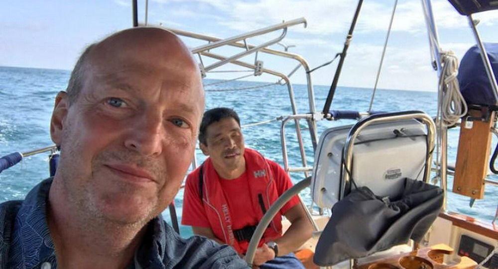 一名失明的日本人乘小艇在世界上第一個橫跨太平洋