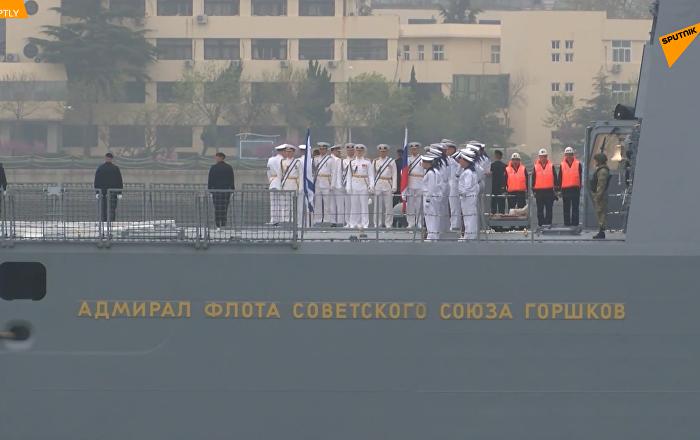 俄海军舰队抵达青岛参加阅兵式