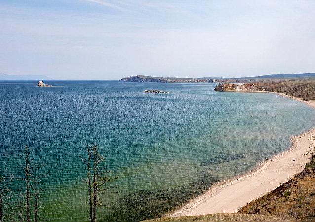 媒体:伊尔库茨克州洪水或摧毁贝加尔湖生态系统